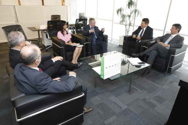 Lideranças da CNDL se reúnem com presidente do Sebrae Nacional
