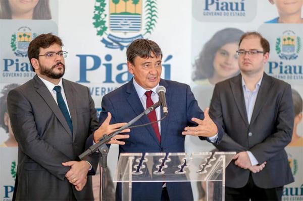 Covid-19 | Em novo decreto, governador suspende atividades comerciais e serviços