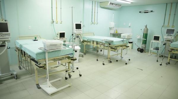 Brasil registra 185 mortes e 7.359 novos casos de Covid em 24 horas